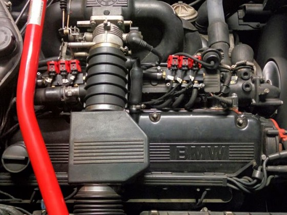 Motorraum BMW e34 535i